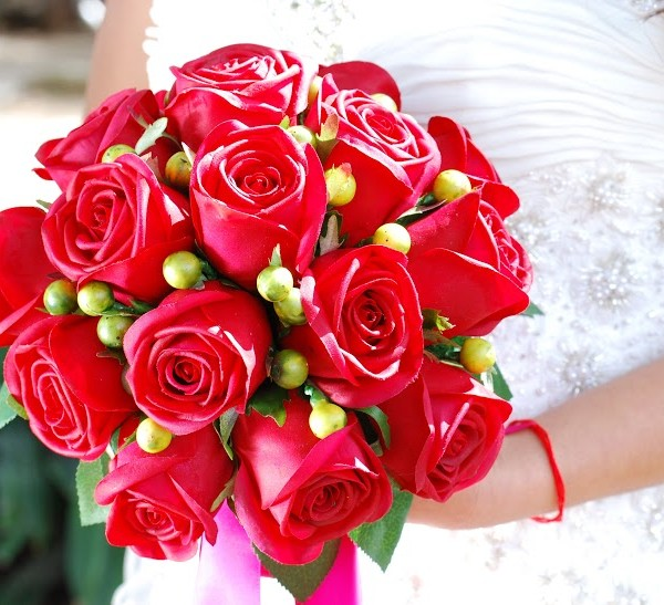 Artificial-Red Bouquet
