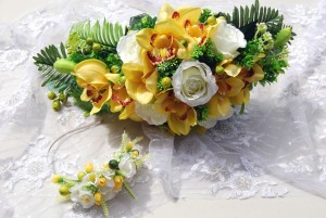 Artificial yellow bouquet