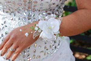 Bridal wrist corsage-white