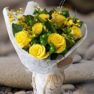 Dazzling Bouquet - Yellow Premium Roses