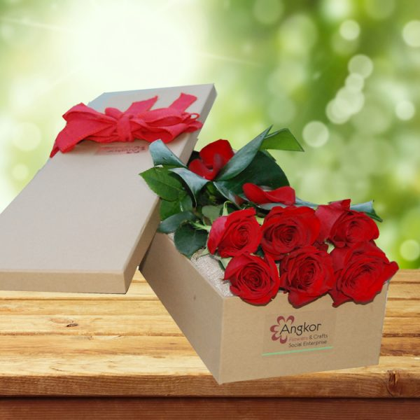 Exotic Rose Gift Box Red – 6 Long Stems