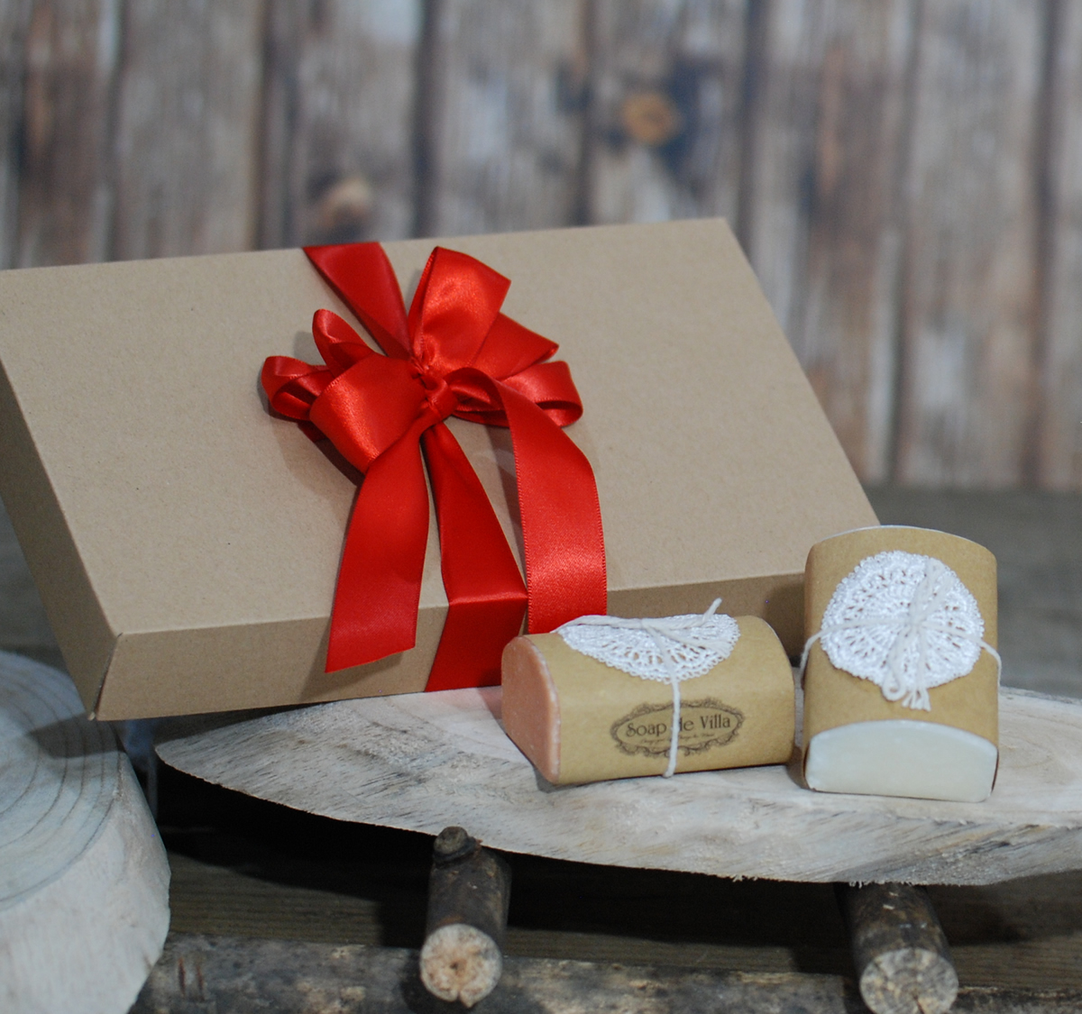 Handmade goat milk soap in gift box – Natural & Rose Fragrance