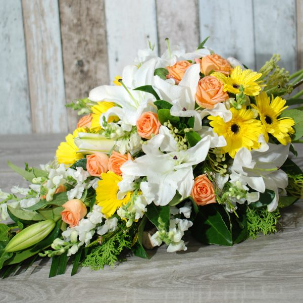 Funeral Flowers Sheaf – thoughtful in yellow
