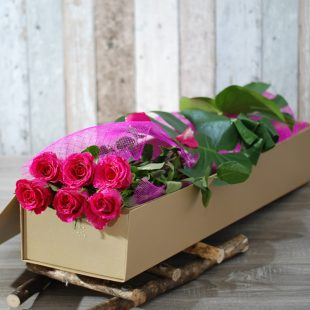 Exotic Rose Gift Box Pink - 6 long Stem roses