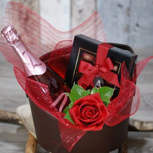 Gift Hamper- Beautiful Love- Wine-Chocolate and Red Rose