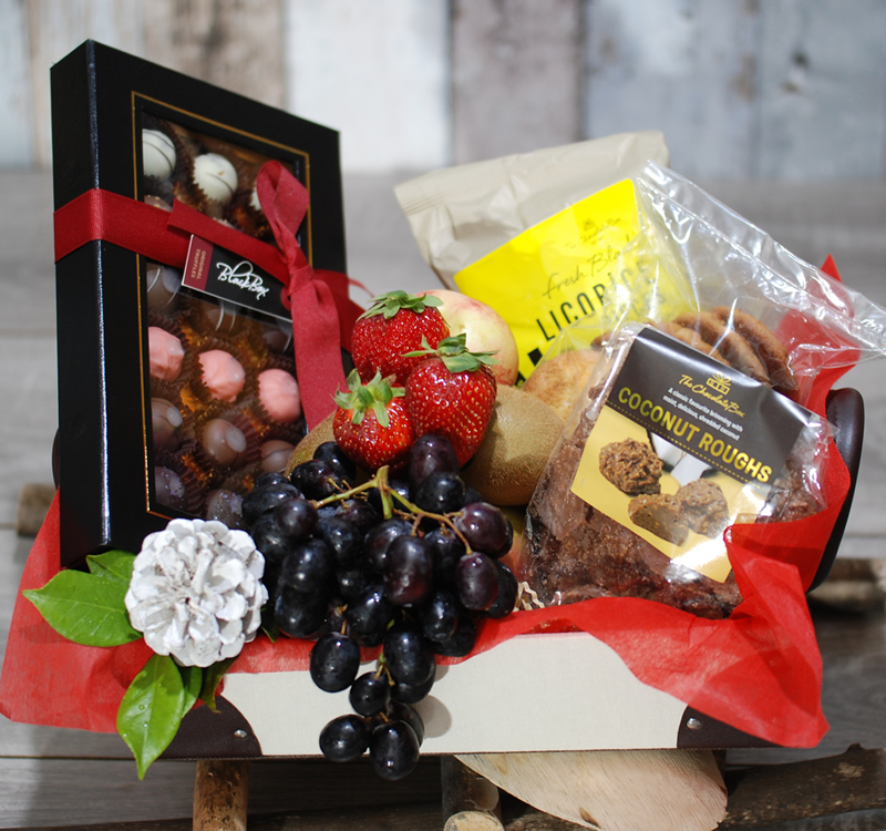 Gorgeous Hamper Chocolates Fruits And Biscuits Gh16