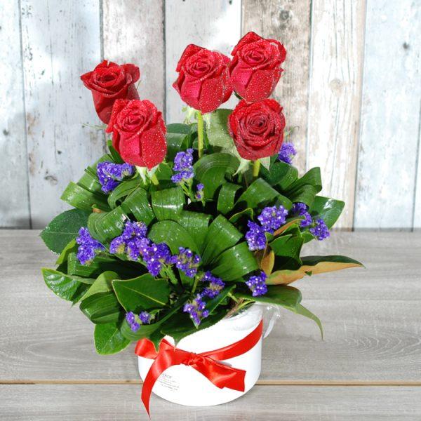 Valentine Flowers- Beautiful Charm HatBox – 5 stem roses