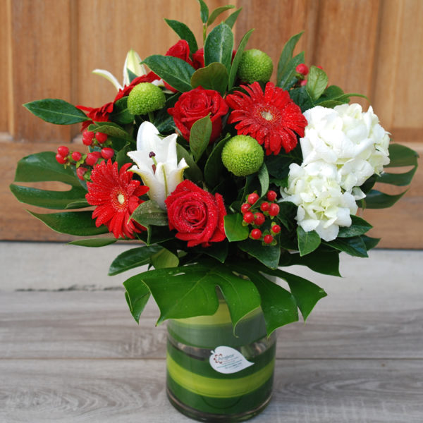 Merry red and white glass vase