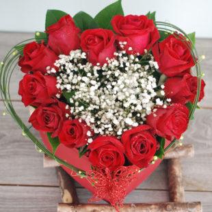 Love Heart -12 Premium Roses