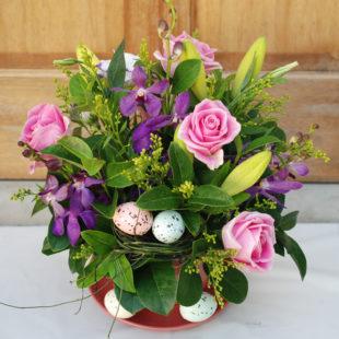 Pink & Purple Easter arrangement - Tea cup
